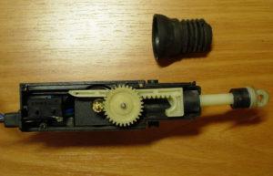 Не работает электропривод замка двери ремонт своими силами