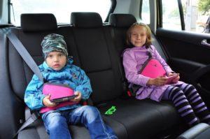 До какого возраста должно быть детское кресло в автомобиле