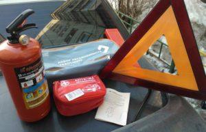 Проверяют ли на техосмотре аптечку и огнетушитель