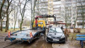 Как законно эвакуировать чужой автомобиль из двора